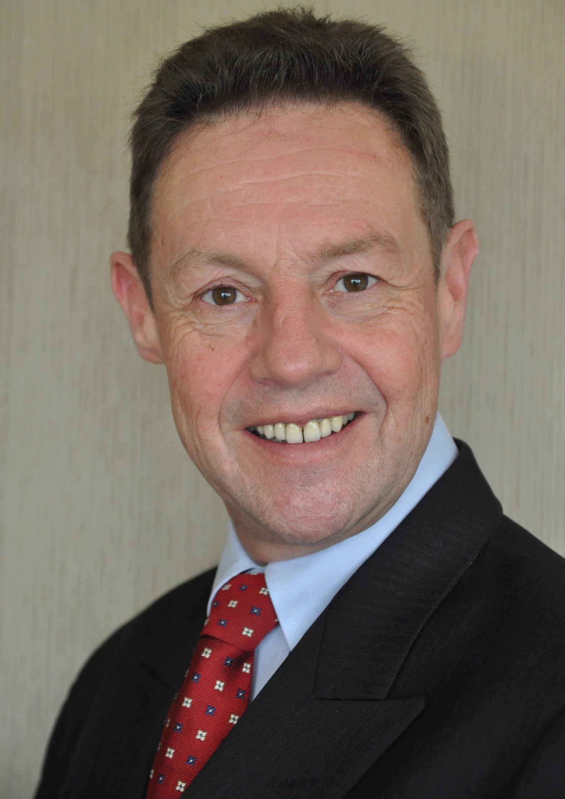 Dr Ian C. Woodward